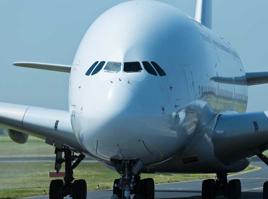 Aviation sector to limit CO2 emissions
